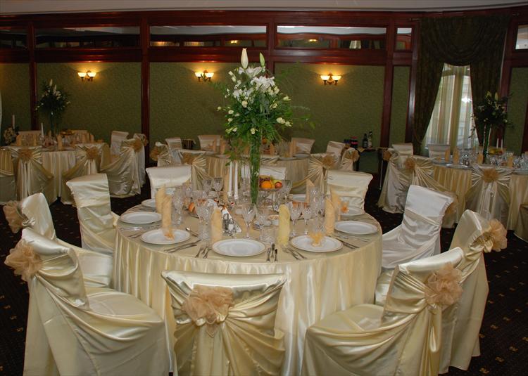 Decoratiuni restaurant pentru nunta